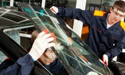 Students gain a better view of windscreen repair