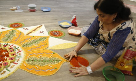 Experience the art of rangoli